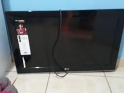 TV para retirada de peças