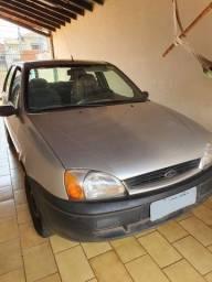Ford Fiesta 2000 com 85 mil km originais