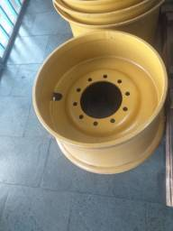 Roda Komatsu GD 555