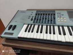 Teclado Motif Xs7 Yamaha com bah e 1Gb de ram