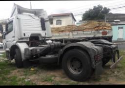 Vendo caminhão, AXOR 1933. ANO 2006