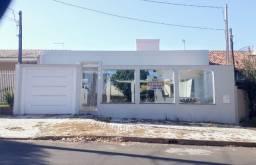 Casa 02 suítes e 01 quarto - Rua Paranapanema, Umuarama, PR