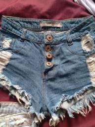 Vendo 2 shorts dins semi novos por 30,00