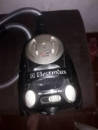 Aspirador de pó  Eletrolux..mod easy Box   1600W