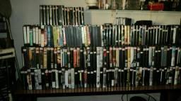 *Fitas VHS gravadas (são copias, mais de 700 fitas)*