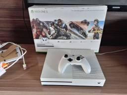 Xbox one s - branco super conservado R$ 1.500.00 ou troco por PS4