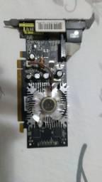 Placa de vídeo GeForce 7300