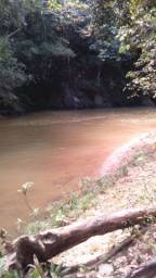 Chacara com rio