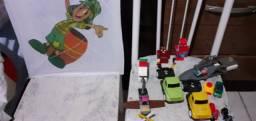 Lego,caminhão de plástico,carrinho da Hot Wheels