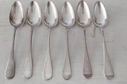 Colheres de prata antiga