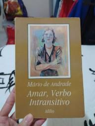 "Livro ""Amar, Verbo Intransitivo"""