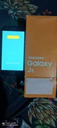 Célula J5 normal na caixa