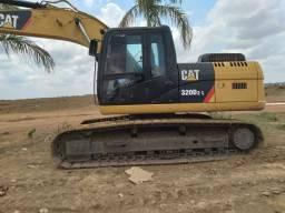 escavadeira caterpillar modelo 320D2L