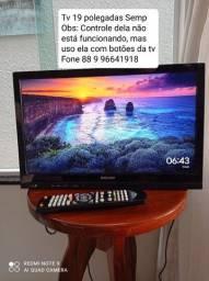 """Televisão 19"""" + Chromecast"""