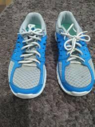 Tênis Nike fitsole 35