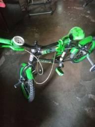 Bicicleta para criança  seme nova
