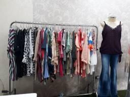 Vendo estoque de blusas femininas diversos tamanhos e marcas. Vale a pena conferir!