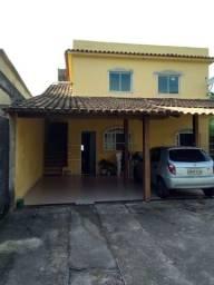 Alugo casa de 2 quartos em Jardim do Vale. 700,00 com luz incluso.