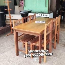Jogo de mesa de madeira com 6 cadeiras (novo)