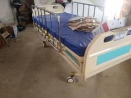 Cama hospitalar elétrica ótima c/colchão e colchão de ar