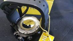 Relógio Invictus, novo, nunca usado, em perfeito estado
