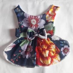 4  vestidos roupinha cachorro Pet shop canil