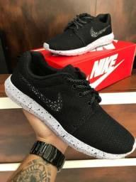 Título do anúncio: Tênis Nike Roshe One - 150,00