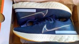 Tênis Nike React Infinity Run Flyknit