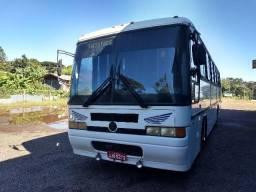 Ônibus em perfeito estado de conservação