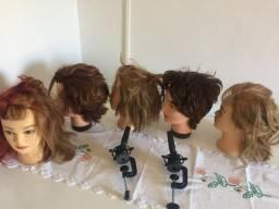 Cabeça de boneca cabeleireiro