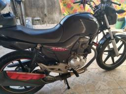 Vendo moto Honda 160c (start) super conservada!
