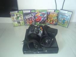 Xbox 360 destravado e com cabo de controle