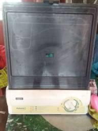Máquina de lavar louça, excelente estado,funcionando tudo.