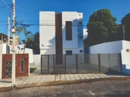 Apartamento no Portal do Sol, com 02 Quartos e varanda
