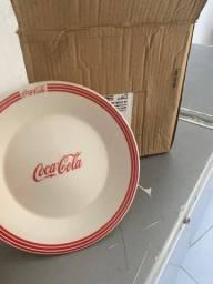 12 pratos da coca cola
