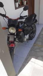 Moto fan 150 2013 emplacada