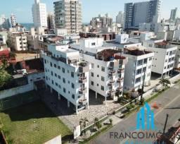 Linda Cobertura duplex com espaço gourmet a poucos metros da Praia do Morro