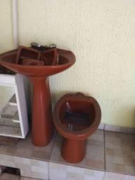 Conjunto completo pra banheiro.