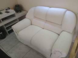 Sofa de couro branco e rack...