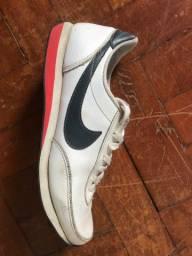 Tênis Nike de couro