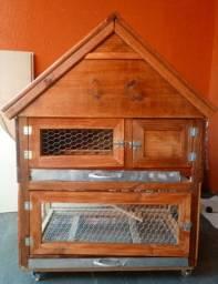 Vendo casinha, ótima para roedores e aves.