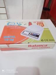 Balança digital de cozinha pesa até 10 kg
