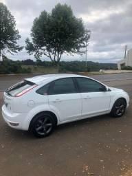 Focus Hatch 1.6 GLX