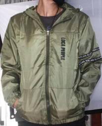 Jaqueta verde em Polyester RS50,00