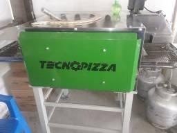 Forno tecnopizzas até 70 pizzas por hora.
