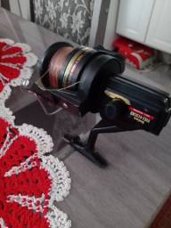 Molinete dawia RG 4000 para pesca pesada 200 reais