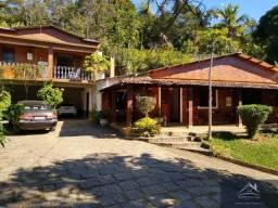 Excelente casa 4 quartos, piscina e sauna! Bairro nobre!