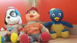 3 bonecos de pelúcia