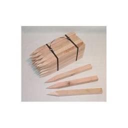 Estaca e piquete de madeira