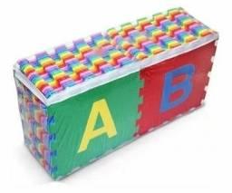 Tatame Eva 26 peças Alfabeto completo.